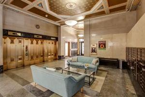 hollander lobby